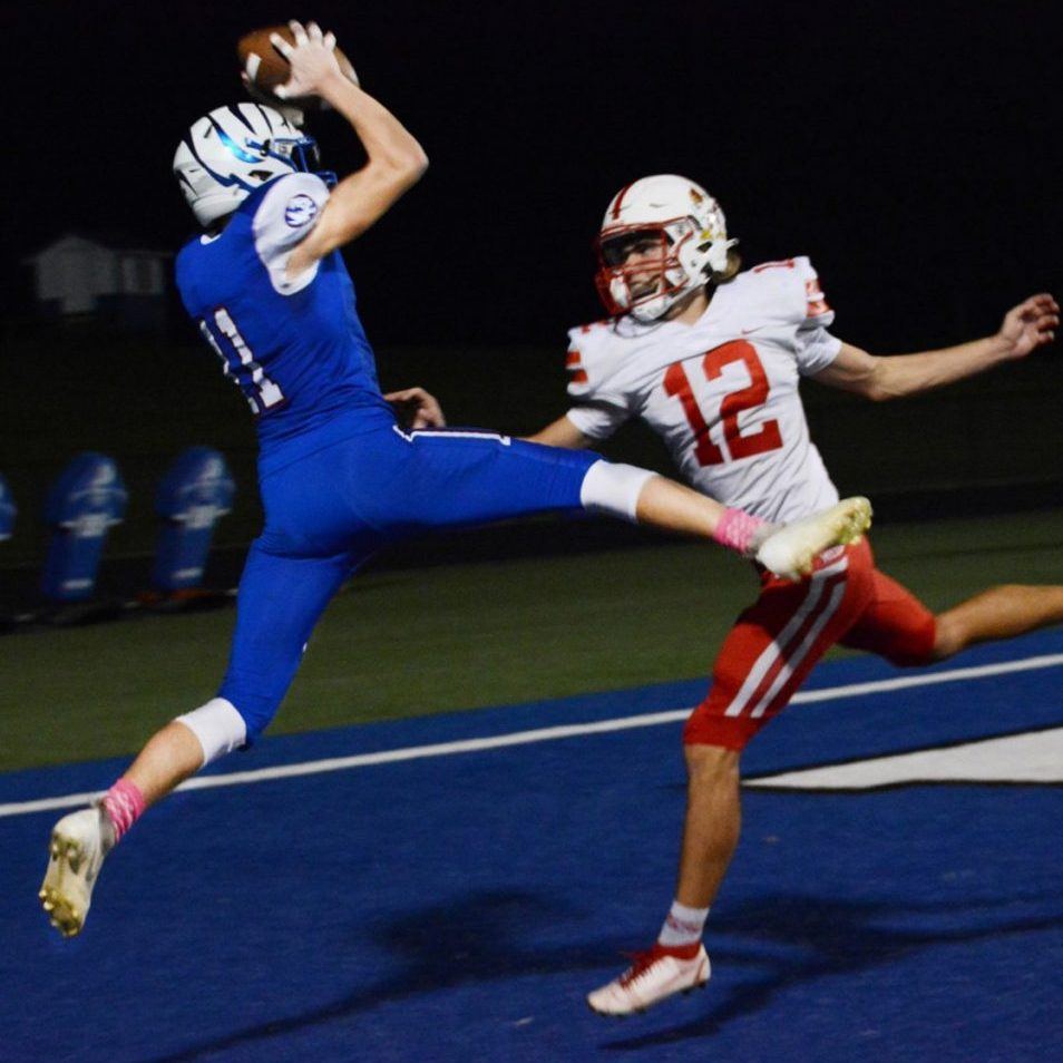 Corbyn Spurgeon made a spectacular grab of this Hayden Long pass, but was a half-step out of bounds when he landed.